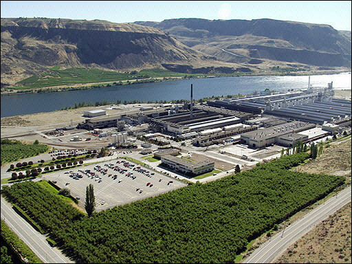 Alcoa Wenatchee Works opened in 1952. The Wenatchee Works was the first smelter to be built In the Pacific Northwest in the post World War 2 period and the first plant of this type built with private capital in the area since before the war.
