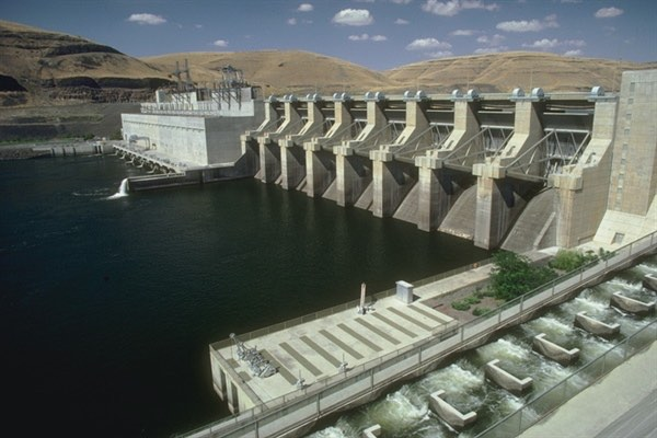 Lower Monumental dam on the Lower Snake River in remote SE Washington State, is one of four that salmon biologists contend need to be removed in order to recover Idaho's salmon and steelhead.