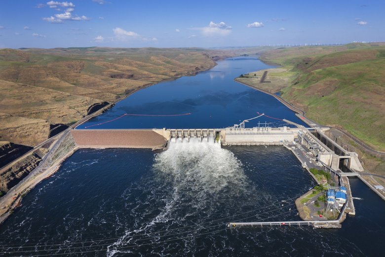Little Goose Dam on the Snake River. A federal report rejects the idea of removing Snake and Columbia dams to save endangered or threatened salmon. (Steve Ringman / The Seattle Times)