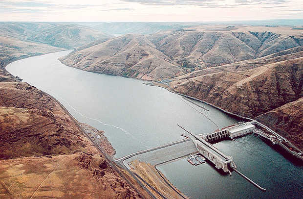 Lower Granite Dam on the Lower Snaker River in Washington State backs up reservoir water to the Idaho border.