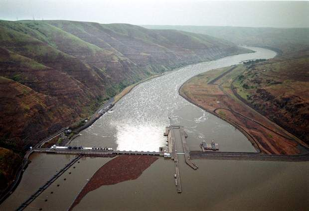 The Nez Perce Tribe and a coalition of environmental groups is trying to stop plans by the U.S. Army Corps of Engineers to dredge behind Lower Granite Dam on the Snake River to maintain the shipping channel that allows barge traffic to reach Lewiston, Idaho. The groups claim the dredging will harm migratory salmon, steelhead and lamprey.