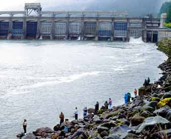 A hearing is set July 28 on a lawsuit by environmental and angling groups to block a plan to cut summer spills over Columbia and Snake river dams, including the Bonneville Dam on the Columbia.