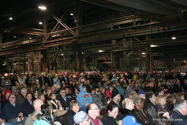 (Bob Jones) Workers listen to speeches as BPA seals power deal with Alcoa Intalco Works aluminum smelter