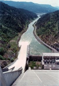 Dworshak Dam spills water to cool lower Snake River reservoirs