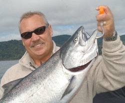 Anglers come from Idaho, Utah and around the West to catch big chinook salmon at the mouth of the Columbia River.