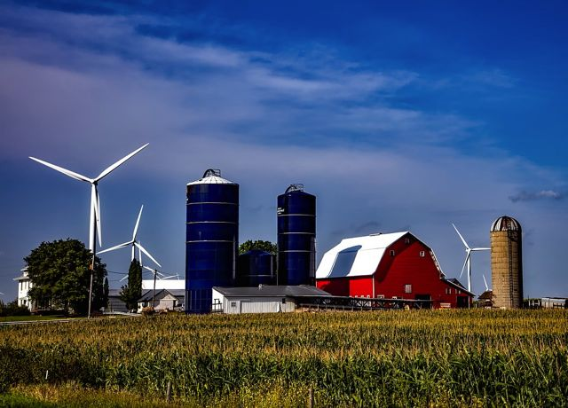 The US added more than 7GW of new wind farms in 2017, bringing total installed capacity in the country to almost 90GW (photo credit Pixabay)