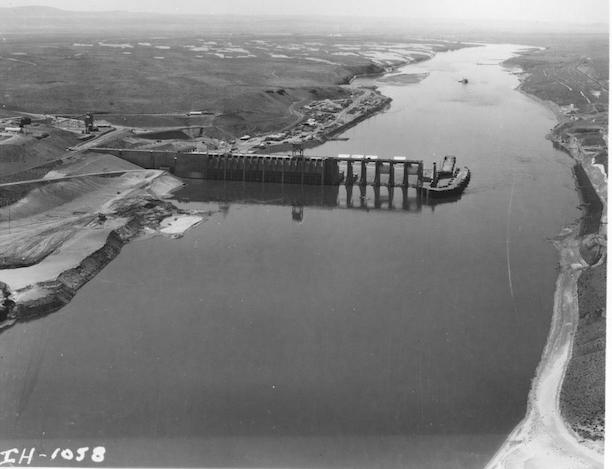 Construction of Ice Harbor Dam (Source: U.S. Army Corps of Engineers)