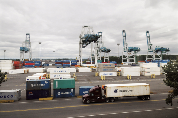 (Dan Carter) Philippines-based International Container Terminal Services Inc., has entered into a tentative 25-year lease for Terminal 6 at the Port of Portland. ICTSI will be taking over the operations and marketing of the terminal.